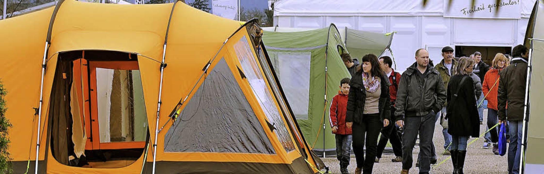 Neues Zelt? Neuer Caravan? Bei den CFT...en gibt's jede Menge Anregungen.  | Foto: Rita Eggstein