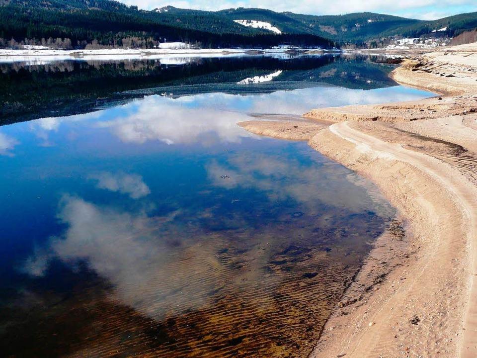 Seltener Anblick: Derzeit herrscht Niedrigwasser im Schluchsee  | Foto: honorarfrei