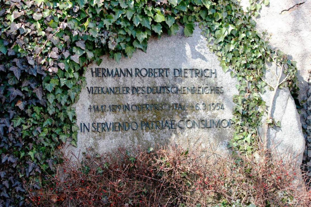 Der Grabstein von Hermann Dietrich auf dem Friedhof in St. Märgen  | Foto: Joachim Frommherz