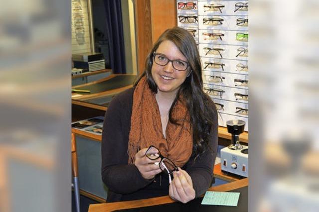 Ausbildungsberuf Augenoptikerin: Anna Mayer ermöglicht optimales Sehen