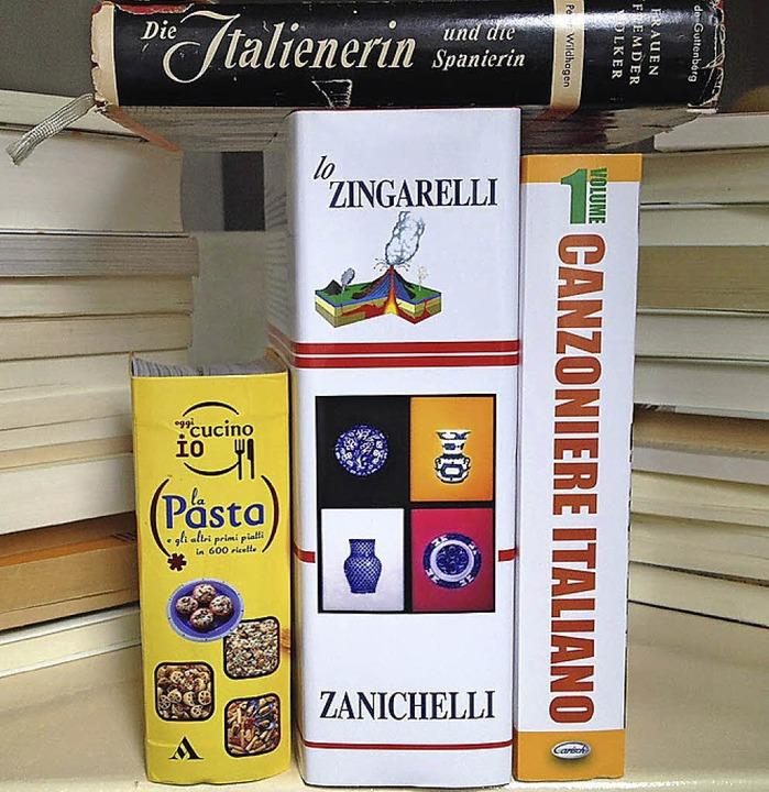 4,5 Kilo neue Bücher im Regal   | Foto: Zöller