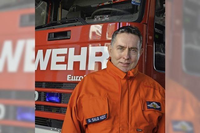 Der Feuerwehrchef fährt von 100 auf null
