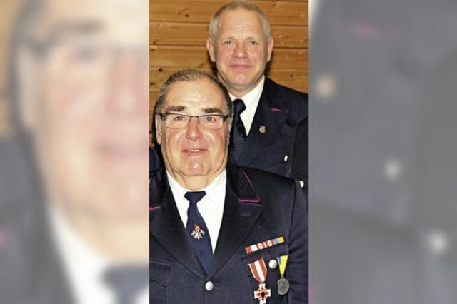 Feuerwehr hilft, 36 Menschen zu retten