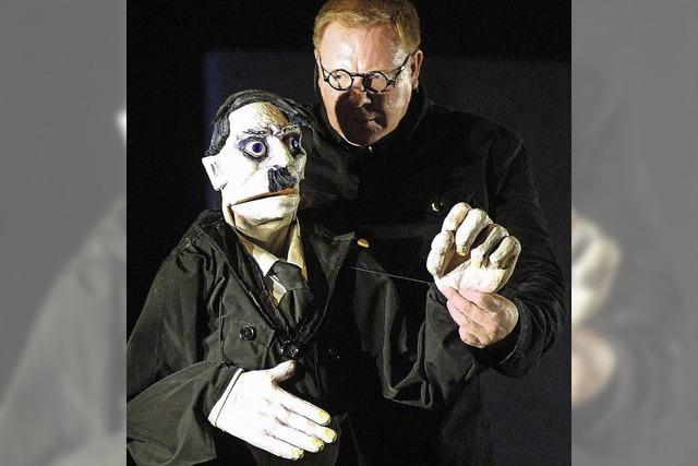 SAMSTAG: THEATER: Hitlers letzte Tage