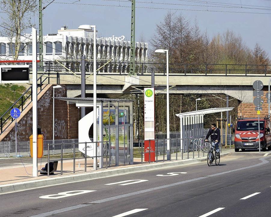 Zu Fuß zum Zug:  Von der Haltestelle  ...entfernt der Halt der Breisgau-S-Bahn.  | Foto: Rita Eggstein