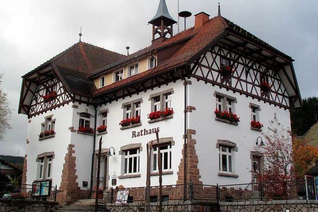 Einbrecher stehlen Tresor aus Feldbergs Rathaus
