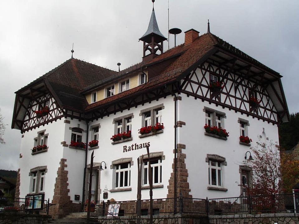Das Rathaus der Gemeinde Feldberg in Altglashütten   | Foto: Ralf Morys