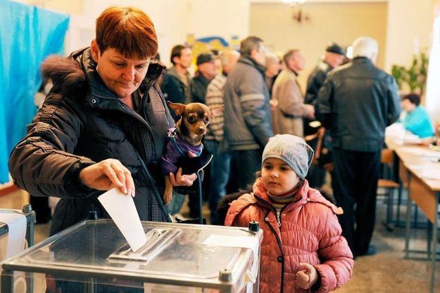 Umstrittenes Krim-Referendum hat begonnen
