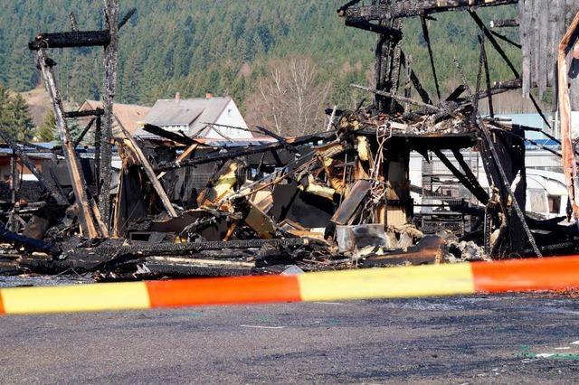 Brände in Titisee-Neustadt: Zusammenhang wird ermittelt