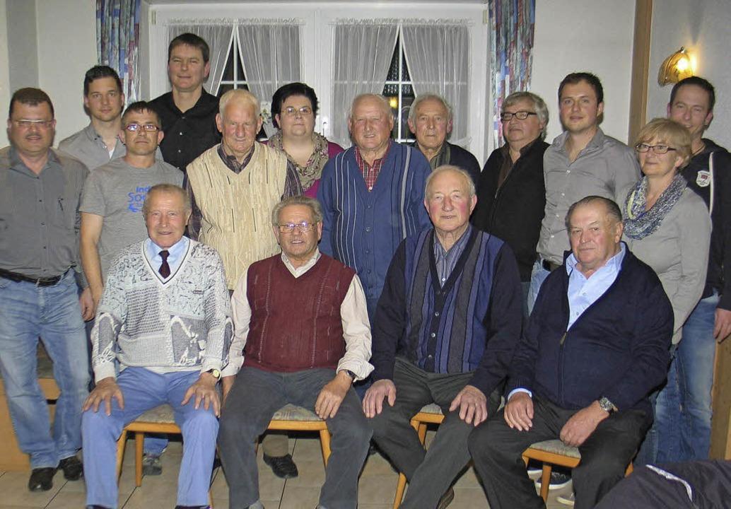 Führungswechsel und Ehrungen beim SV F...n für 40 und 60 Jahre Mitgliedschaft.   | Foto: Helmut Hassler
