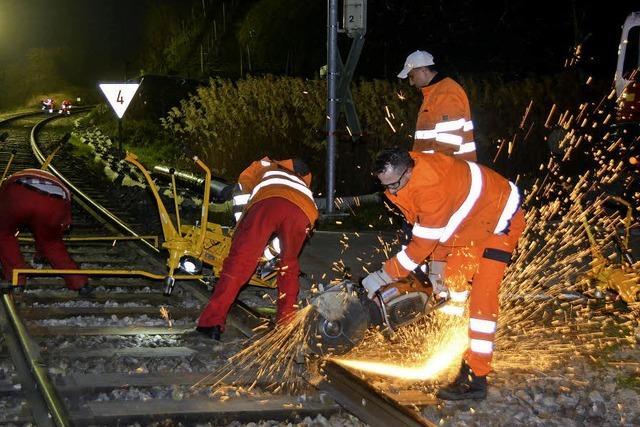 Kaiserstuhlbahn: Gleisbau rund um die Uhr