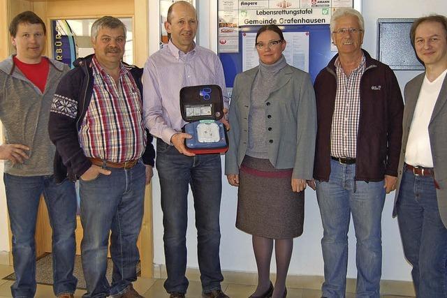 Defibrillator für Laien soll Sicherheit für die Bürger erhöhen