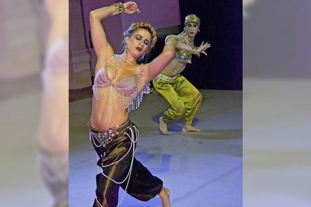 Florentina Holzinger & Vincent Riebeek tanzen