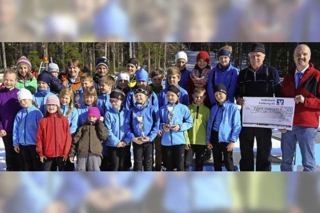 Junge Langläufer suchen in St. Märgen ihre Sieger
