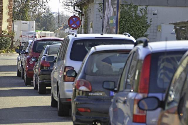 Falschparker in Güterstraße behindern den Busverkehr