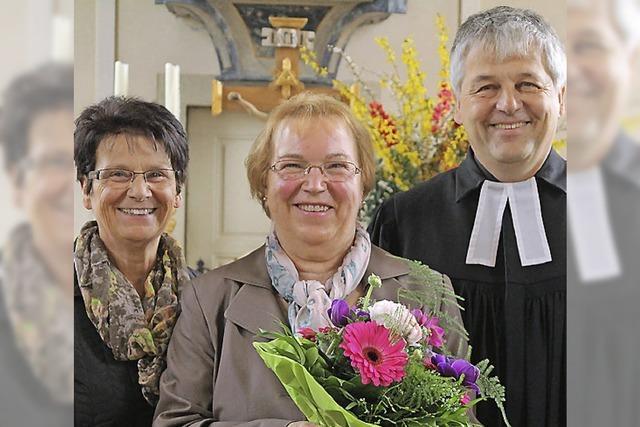 Ehrennadel für Erika Kässinger
