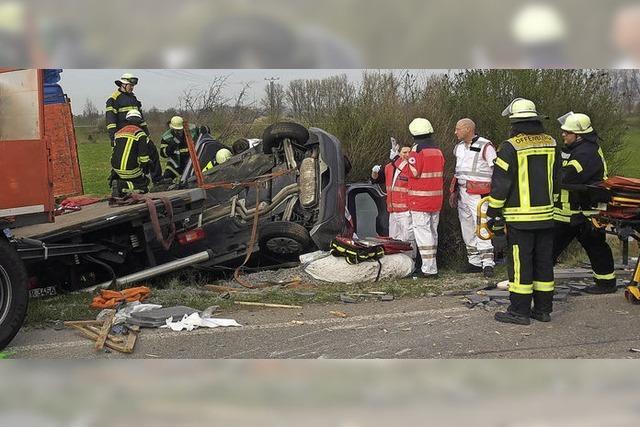 Vater und Sohn bei Unfall schwer verletzt