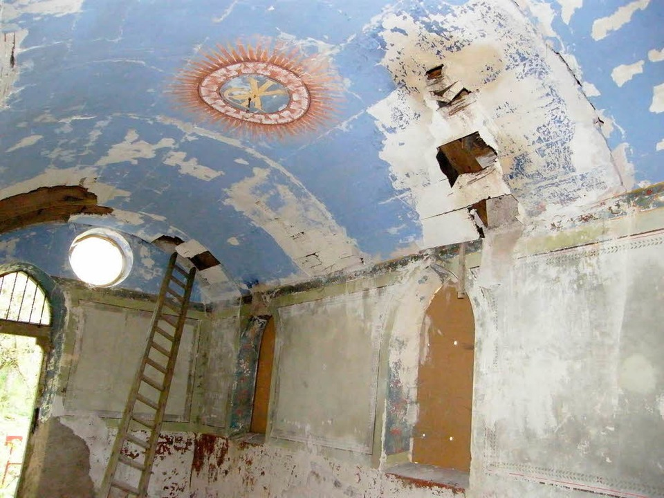 Auch von innen muss die Badkapelle ein...ormiert sich mehr und mehr Widerstand.  | Foto: Martha Weishaar