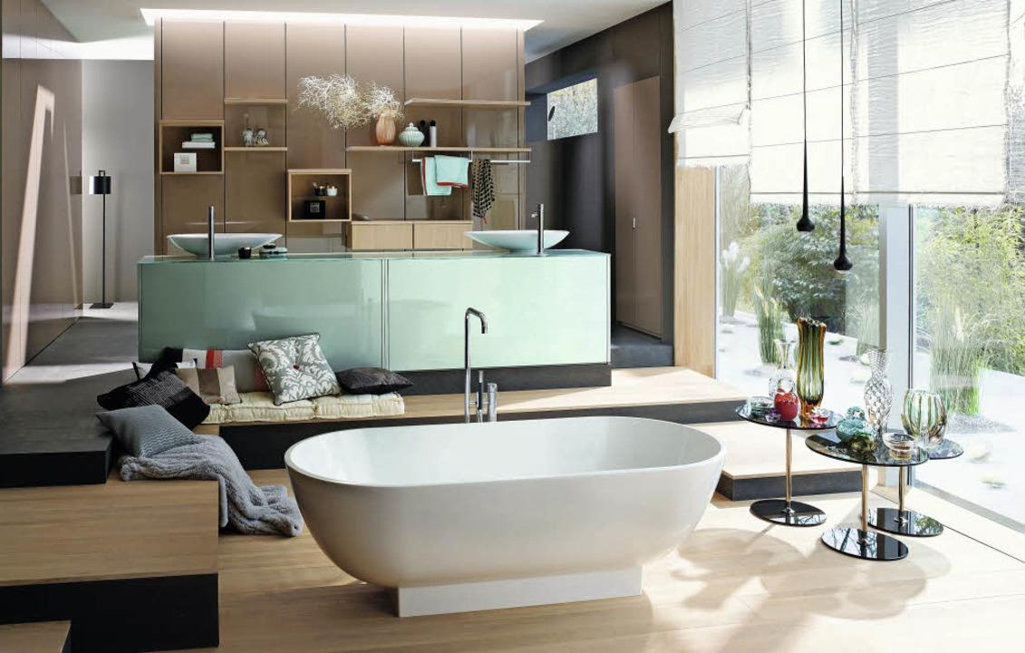 Wo hört das Bad auf?Wo fängt das Wohnzimmer an?   | Foto: Burgbad/dpa