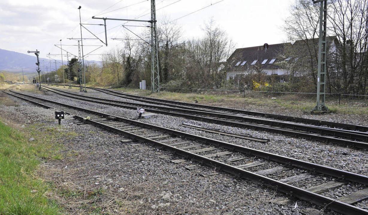 Mehr Lärmschutz für die Anwohner der Bahnstrecke durch Neuenburg   | Foto: Volker Münch