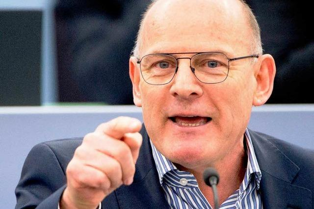 Verkehrsminister Hermann gerät unter Druck