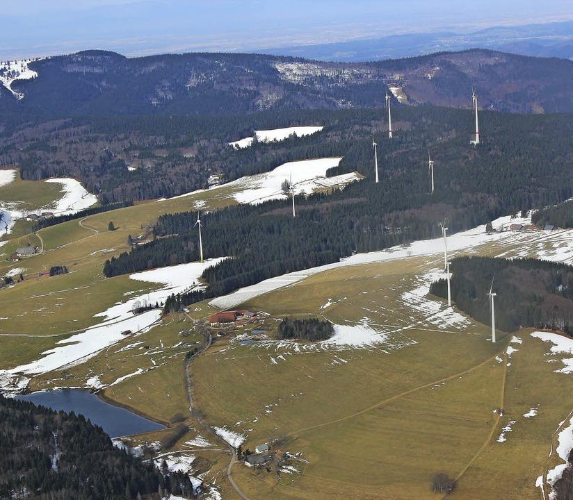 Standort der Windkrafträder auf der Pl...efährdet und die Landschaft zerstört.   | Foto: Christa Maier