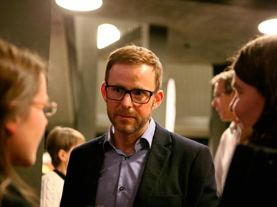 Jan-Marc Maier im Gespräch mit Besucherinnen  | Foto: Bastian Henning