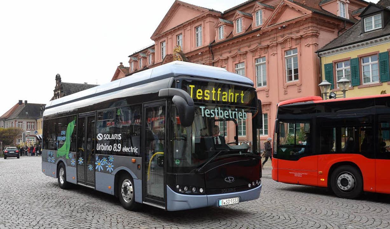 Elektrobus der Firma Solaris, den die ...nd drei Tagen zu Testfahrten einsetzt.  | Foto: Burgmaier Ralf