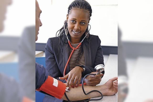Helfende Hände im Pflegesektor dringend gesucht