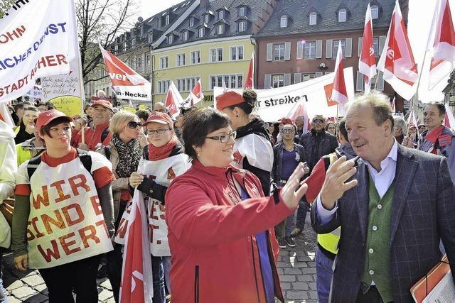 Auch 300 Stadtmitarbeiter streiken