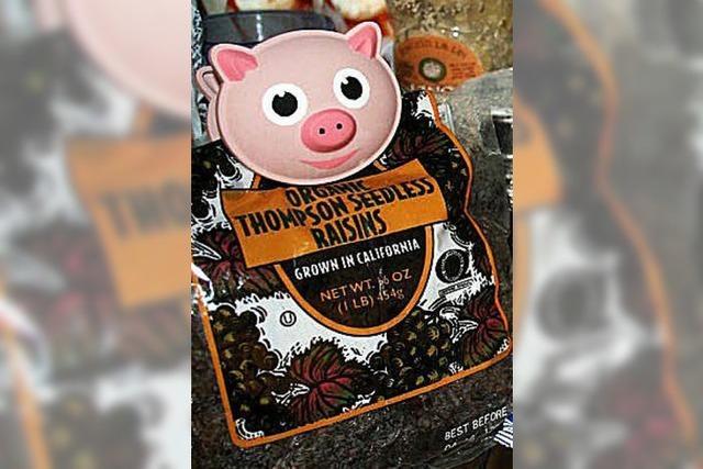 Ein Schweinchen wacht übers Essen