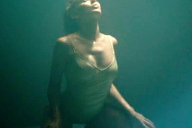 Sexy: Kylie Minogue trägt Badeanzug aus Murg