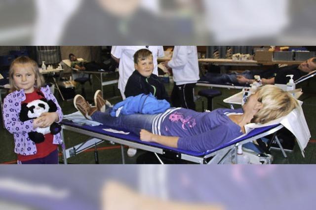 DRK freut sich über 180 Blutspender