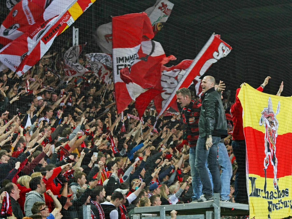 Anhänger des SC Freiburg – hier ...r dem Spiel gegen Nürnberg attackiert,  | Foto: Michael Heuberger