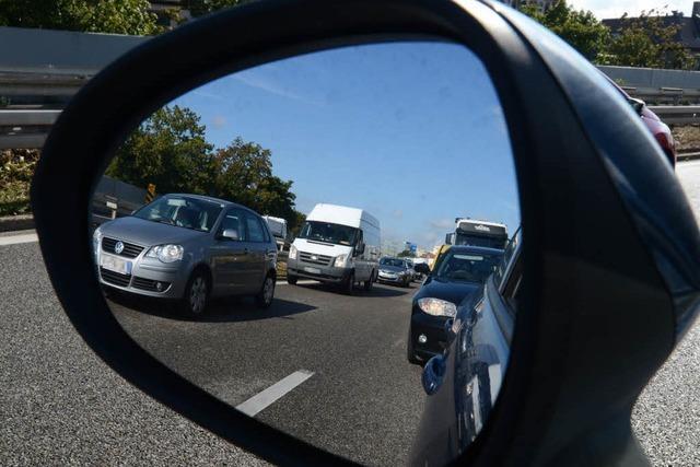 Pannen-LKW verursacht Stau auf B 31