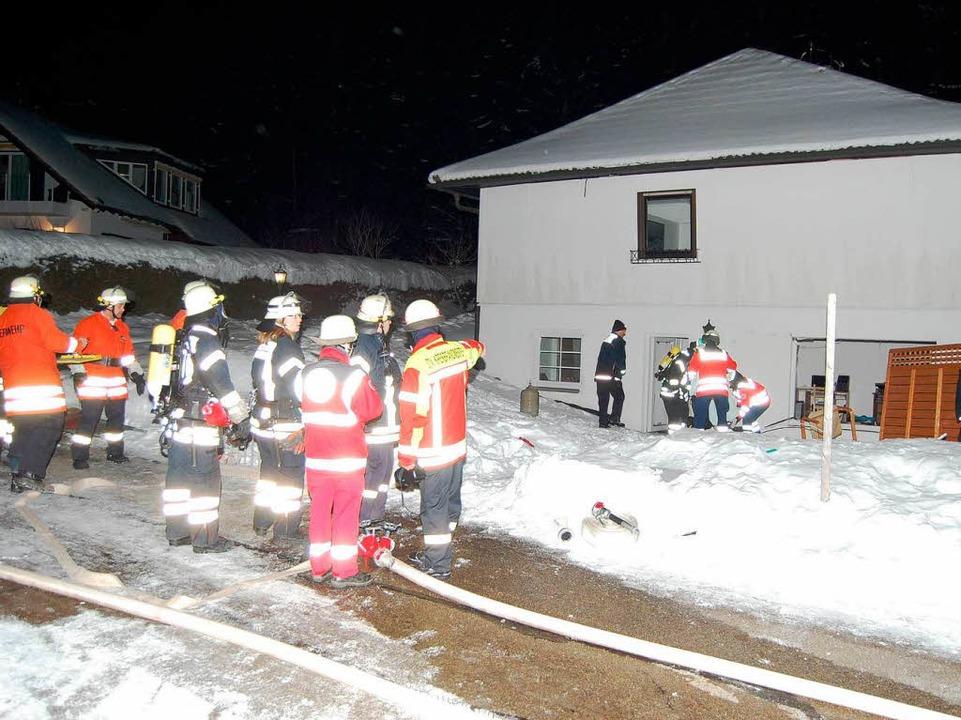 Ein Foto  vom Einsatz der Rettungskräfte im Februar 2013 nach der Explosion.   | Foto: Kamera 24