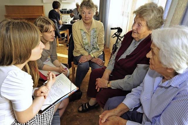 Schüler des DFG befragen Zeitzeugen über die Nachkriegszeit