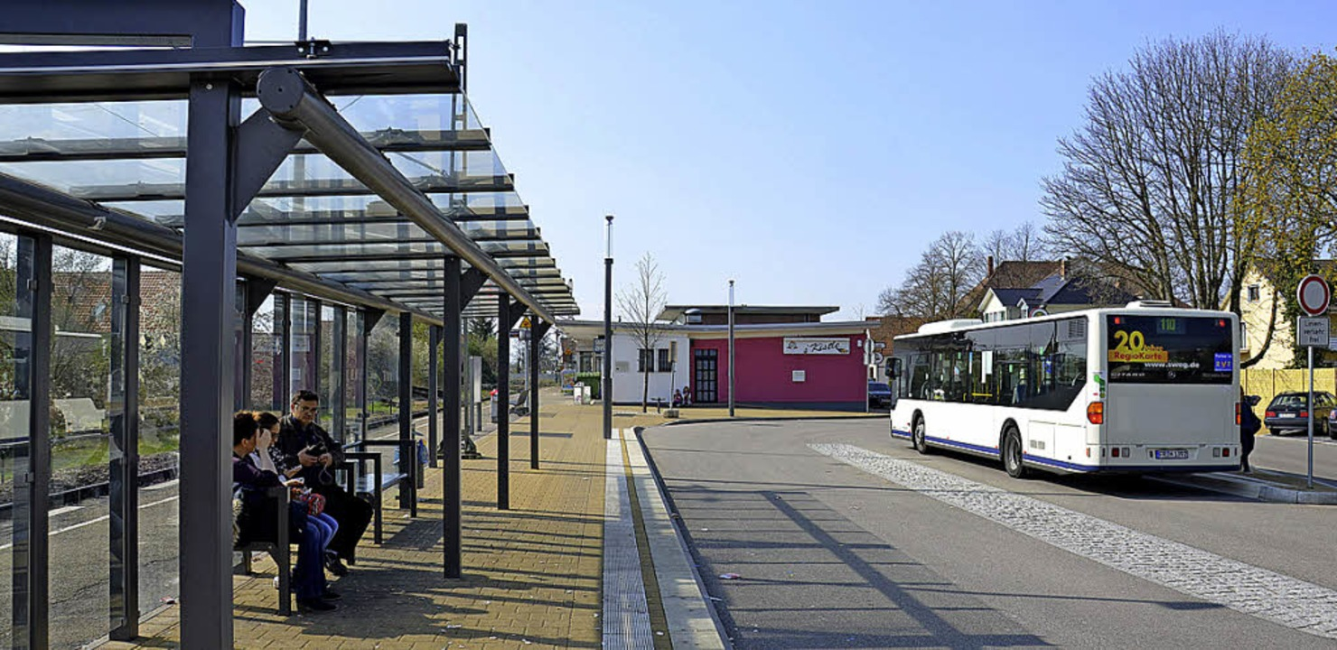 Vom Bus auf die Bahn: Die Anbindung im ÖPNV soll verbessert werden.  | Foto: Julia Jacob