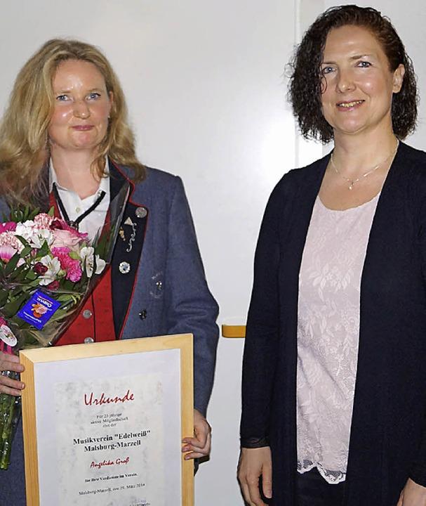 Für 25 Jahren Mitgliedschaft wurde Ang...s Alemannischen Musikverbands, geehrt.    Foto: Hartenstein
