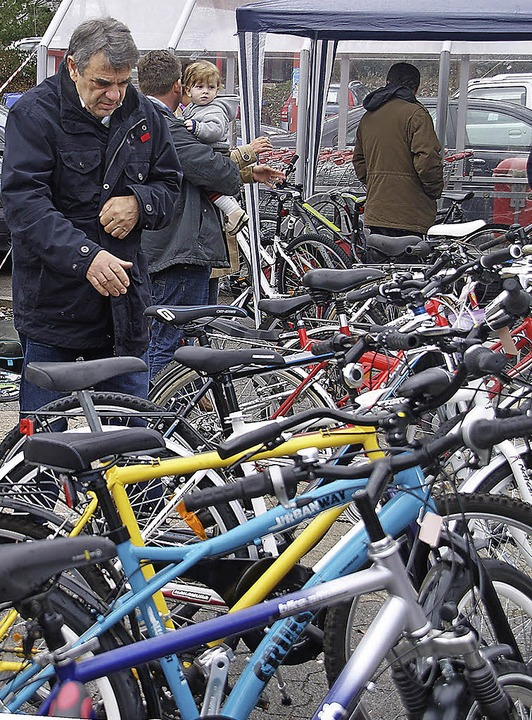 Groß war die Auswahl bei der Fahrradbörse des RSV Öflingen vor einem Jahr.     Foto: Archivfoto: Miloslavic