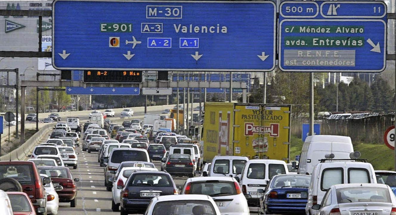 Ein Teil der spanischen Autobahnen sol...at betrieben werden. Das ging schief.   | Foto: DPA