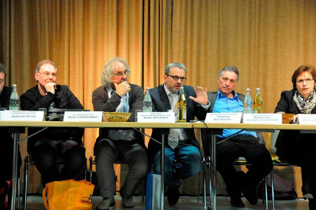 Vier Vorkämpfer gegen die Variante 4 u...thkegel und   Bernhard Schneckenburger  | Foto: Helmut Seller