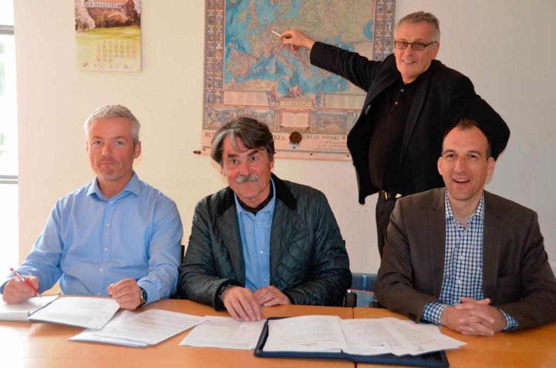 Organisator Markus Haas, OB-Stellvertr...karte Stadthistoriker Hans-Jörg Jenne.  | Foto: Sylvia-Karina  Jahn