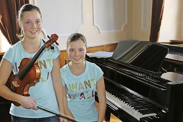 Ein Zwillingspaar mit einem Faible für Musik