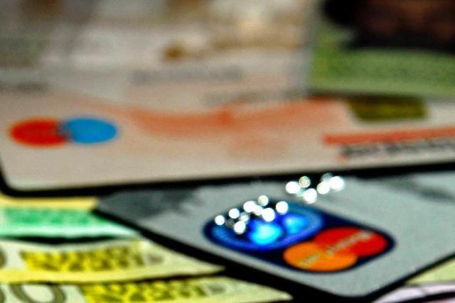 Einkauf mit Kreditkarten soll billiger werden