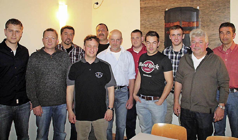 Das neue Vorstandsteam des Angelsportv...tzenden Thomas Adler (2. von links).    | Foto: Christiane Franz