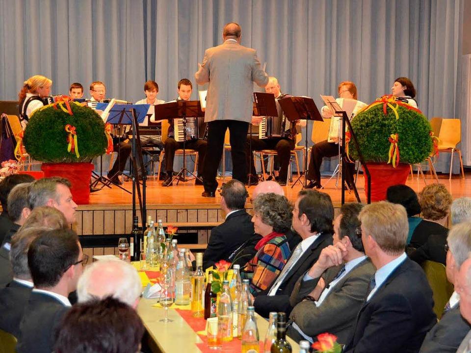 Der Akkordeonclub spielte ebenso auf...    Foto: Manfred Frietsch