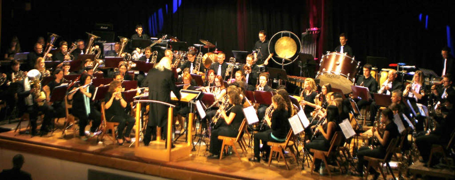 Das Blasorchester Seelbach eröffnen mi...20; den ganz besonderen Konzertabend.   | Foto: fotos: heidi fössel