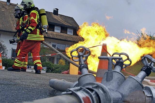 Flammende Werbung beim Aktionstag der Feuerwehr