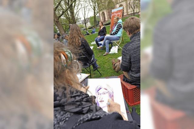 Hobbykünstler zeichnen Freiwillige im Stühlinger